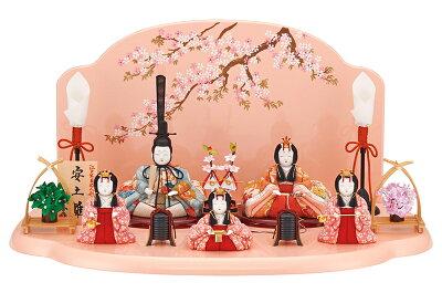 木村一秀作五人飾りの雛人形。女の子らしいピンクの雛人形